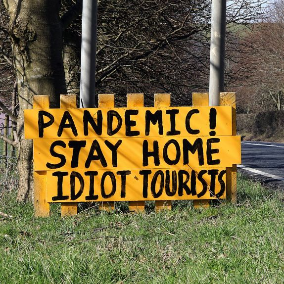1_A-sign-has-been-placed-outside-Bala-on-the-A494-after-tourists-flocked-to-the-Snowdonia-town-during